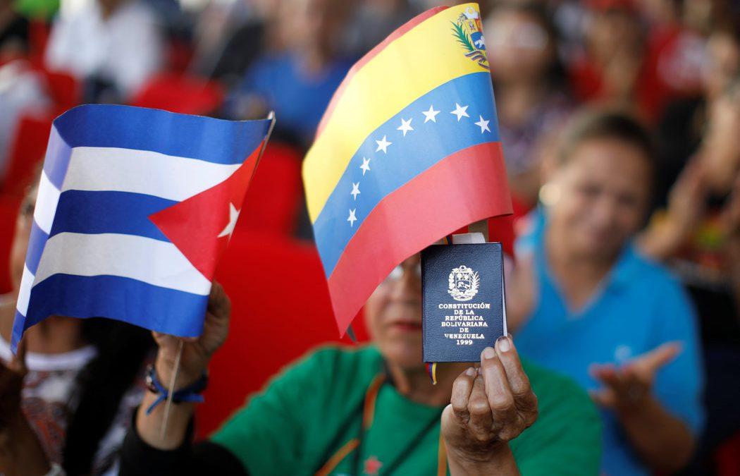 Rusia y Cuba podrían acabar (de verdad) con la crisis venezolana
