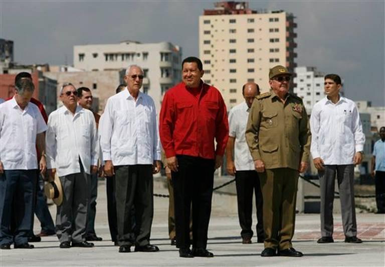 Cuba conquistó a Venezuela con un ejército de espías, dice investigadora