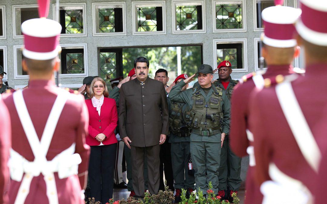 Represión importada: Cómo Cuba enseñó a Venezuela a sofocar el disenso militar